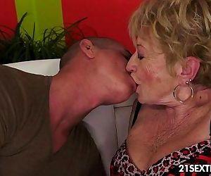 Malya - Lusty Grandmas - 5 min