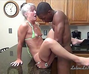 Camel Toe KitchenMilf Gets Facial..