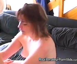 Nervous housewifes first lesbian..