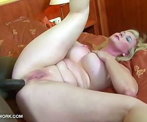 Granny gets ass fucked with dildo..