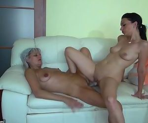 Grandma likes big long dildo on..
