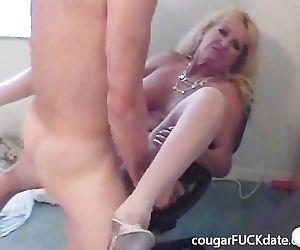 Hot Granny cougar in nylons fucks..
