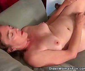 American gilf Melody Garner rubs..