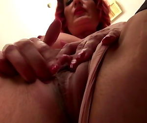 Real amateur mature moms with wet..