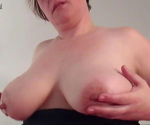 Amateur housewife with saggy tits..