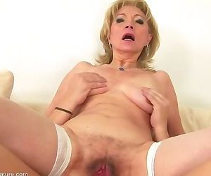 Creampie mature Eleanor