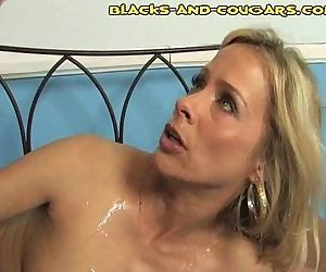 Cumming On A Housewife - 2 min