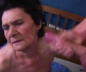 Amateur granny loves the taste of..