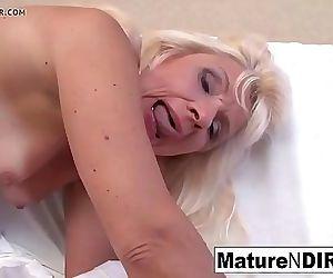 Mature mom 8 min 720p