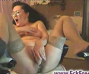 Old granny dildoing on cam - 1..
