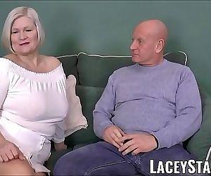 LACEYSTARRBusty GILF negotiates a..