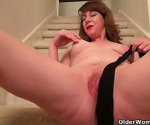 American milf Tracy gives her..