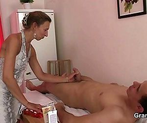 Granny masseuse gets her hairy..