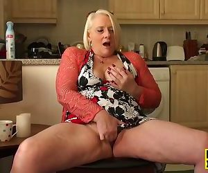 British granny fingerfucking..