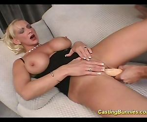 Casting this big tits bunny while..