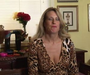 Hot American cougar mom..