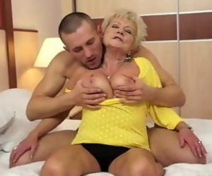 Cum into the mouth of mothers and..
