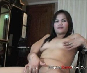 Asian Bar girl from asiancamslive.com webcam chat site..