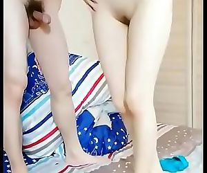 Chinese teens live chat with mobile phone.178 12 min