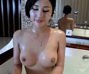 Chinese Slut Taking a Bath with a Webcam,..