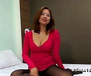 KOREA1818.COMKorean Cleavage Girl 33 min