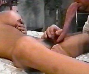 Mimi miyagi and king tongue - 9 min