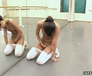Asian ballerina has an itch she has to rub - 8 min HD