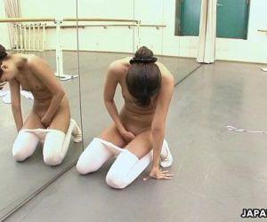 Asian ballerina has an itch she has to rub - 8 min HD