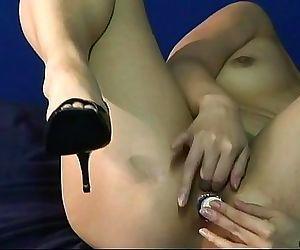 Brunette Asian sweet heat toys her tender holes 8 min
