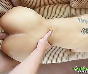 น้องโย Tuktuk