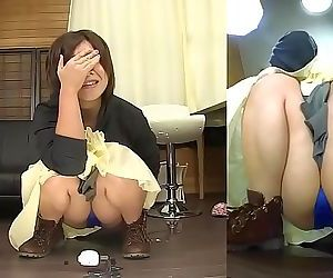 Subtitled Japanese amateur pee desperation failure in HD 5..