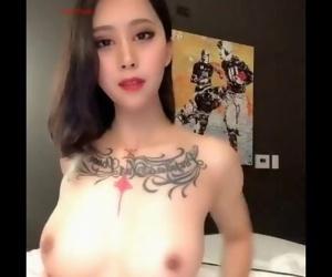 最新推特网红女神人称『小范冰冰』大尺度�..