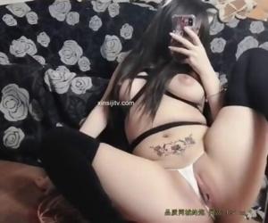 China-黑绳捆绑 过膝黑丝 沙发自慰 视频
