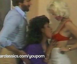 Classic Porn stars SEKA and Vanessa Del Rio threesome fuck party!
