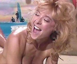 Nina Hartleybikini retro yorugua
