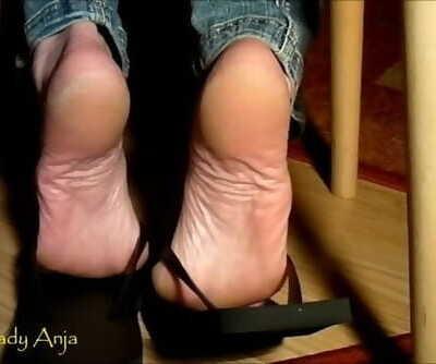 Gorgeous Huge Mature Wrinkled Soles in Flip Flops - Shoeplaylady Anja Feet