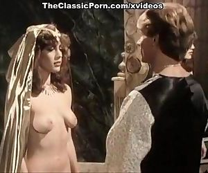 Kristara Barrington, Susan Berlin, Bunny Bleu in vintage sex clip