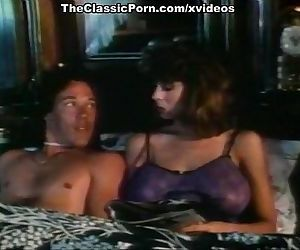Christy Canyon, Bunny Bleu, Blondi in vintage sex site