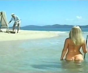 Helen Mirrens nude scenes in Age of Consent