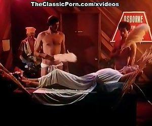 Annette Haven, Lisa De Leeuw, Veronica Hart in vintage porn clip