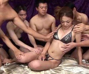 Sakura Hirota enjoys being the centerpiece in this raunchy orgy - 5 min