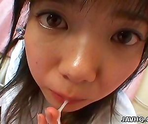 Young japanese teen gives a perfect blowjob and swallow 9 min