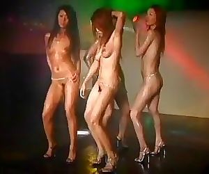 Daiya Mizusawa & 3 Of Her Sexy Girlfriends Nude GoGo Dance
