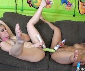 Live Lesbian Threesome Action