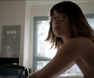 Nichole Bloom nude does doggy in Shameless - 40 sec