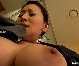 Japanese maid, Rei Kitajima was caught masturbating at work, uncensored 5 min