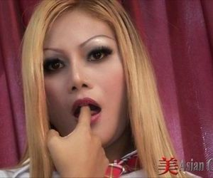 Blonde Thai Girl Sucking Cock - 11 min HD