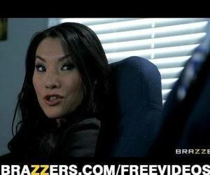 Office assistant Asa Akira shows her boss her flexibility - 7 min HD