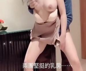 台湾swag大屌哥出差 干了个美女主播身材超级好粉嫩小穴 绝对的极品 非常耐操