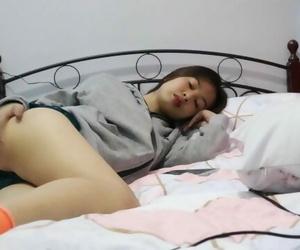 4K Asian Teen Footjob Feet Fetish - Mia Mendoza